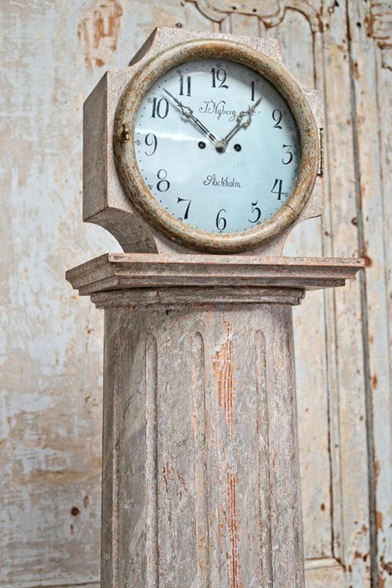 Hand-Carved 18th Century Swedish Neoclassical Working Long Case Clock in Original Paint For Sale