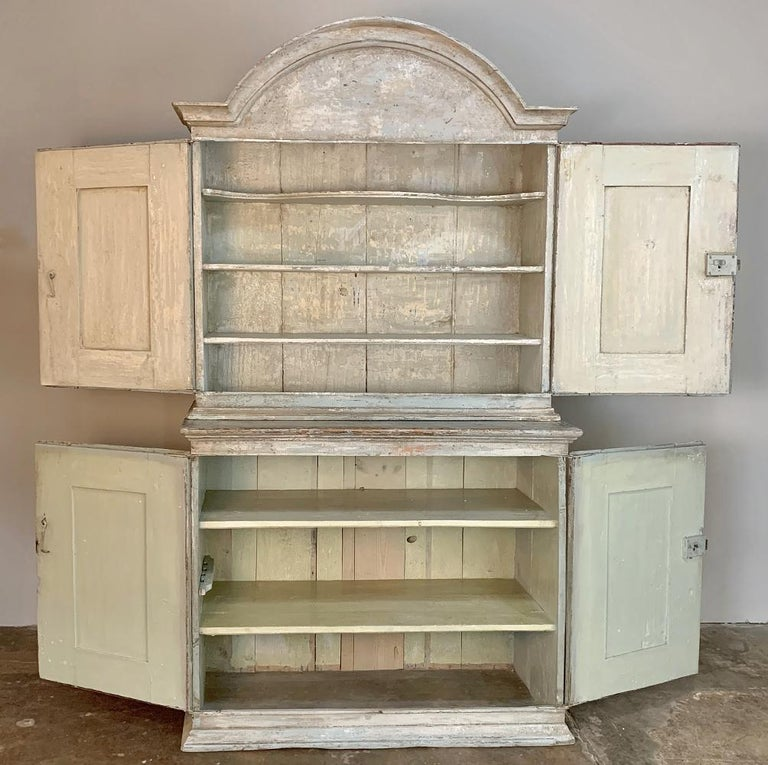 18th Century Swedish Painted Buffet a Deux Corps In Good Condition For Sale In Dallas, TX
