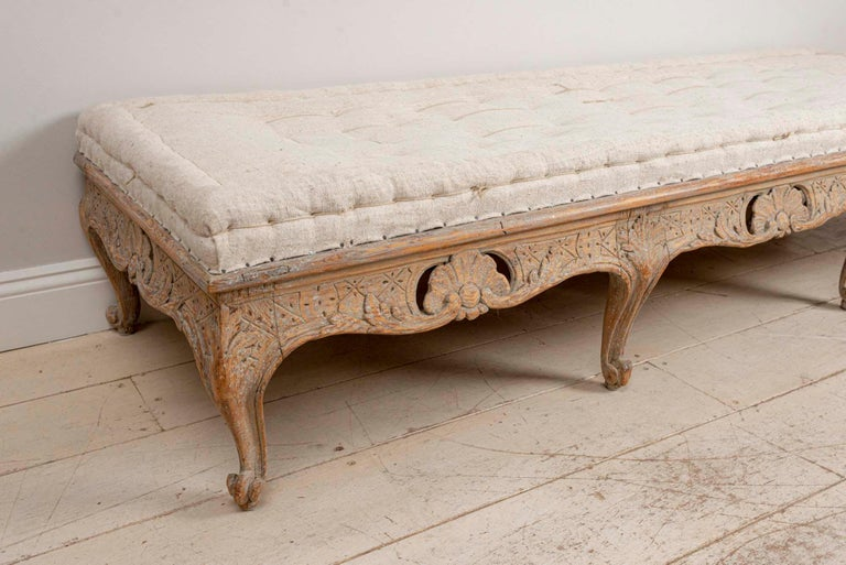 18th Century Swedish Painted Rococo Carved Decorative Scrolled Stool or Bench In Good Condition For Sale In London, GB