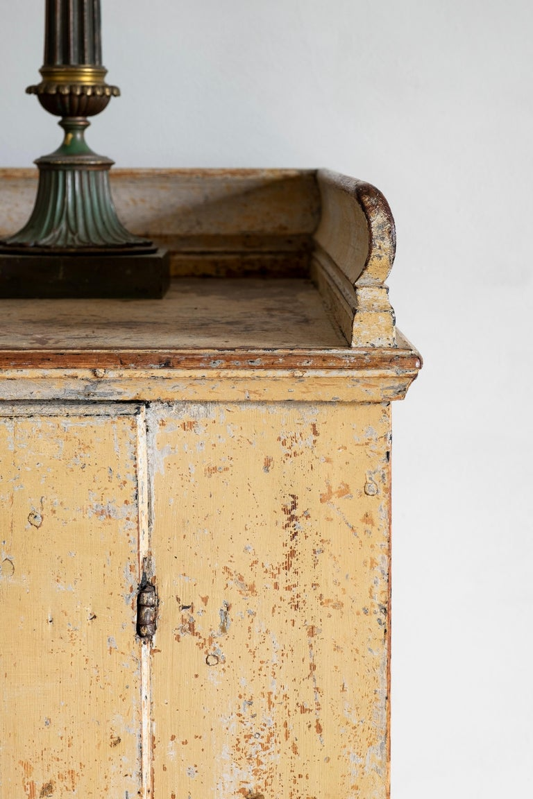Hand-Painted 18th Century Swedish Rococo Buffet  For Sale