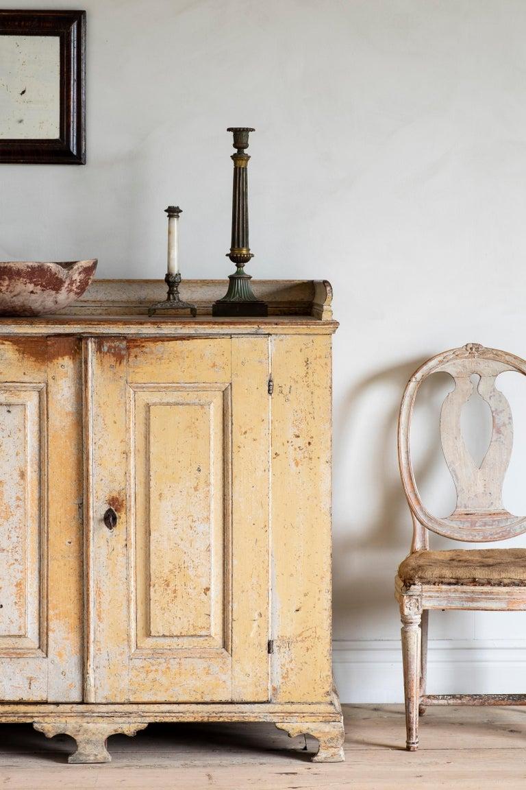 18th Century Swedish Rococo Buffet  In Good Condition For Sale In Helsingborg, SE