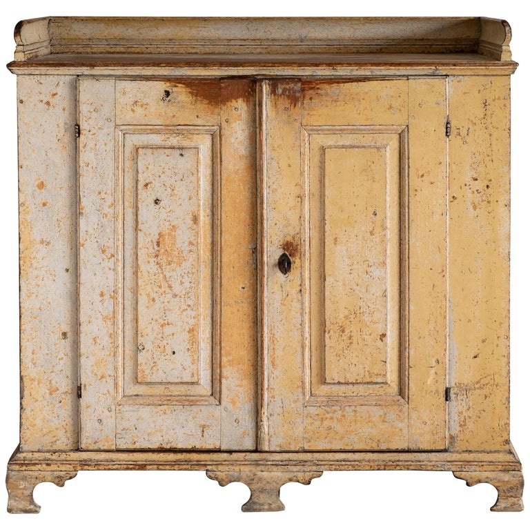 18th Century Swedish Rococo Buffet  For Sale