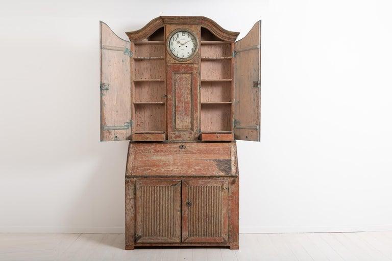 18th Century Swedish Rococo Clock Secretary In Good Condition For Sale In Kramfors, SE