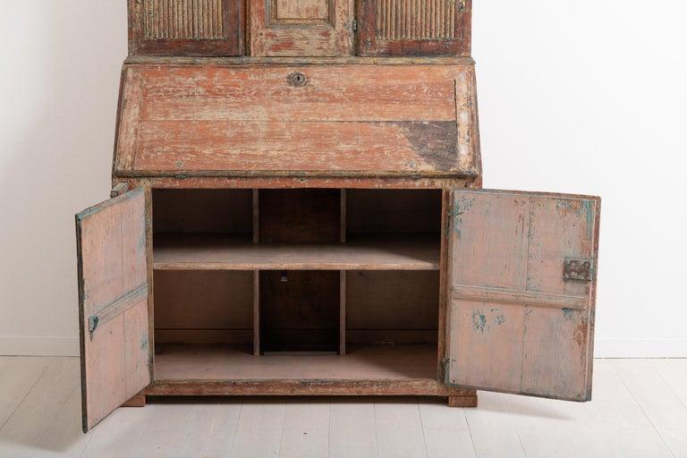 18th Century Swedish Rococo Clock Secretary For Sale 4