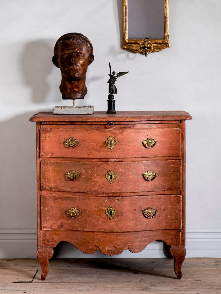 18th Century Swedish Rococo Commode In Good Condition For Sale In Helsingborg, SE