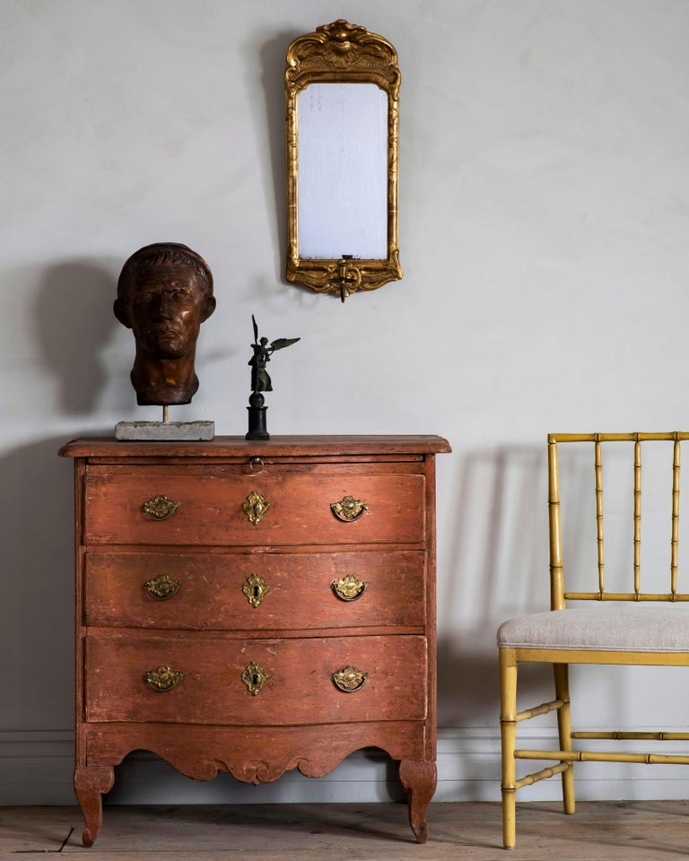 Wood 18th Century Swedish Rococo Commode For Sale