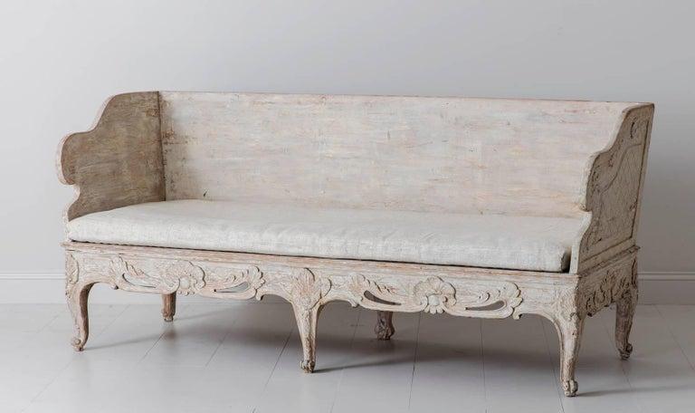 18th Century Swedish Rococo Period Trag Sofa Bench in Original Paint For Sale 1