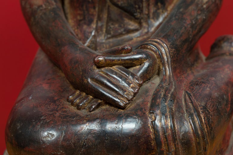 18th Century Thai Hand Carved Lacquered Wood Sculpture of a Seated Monk In Good Condition For Sale In Yonkers, NY