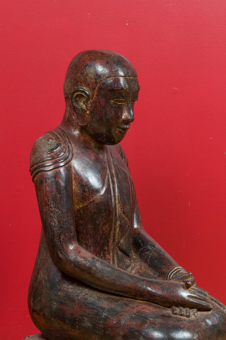 18th Century Thai Hand Carved Lacquered Wood Sculpture of a Seated Monk For Sale 2