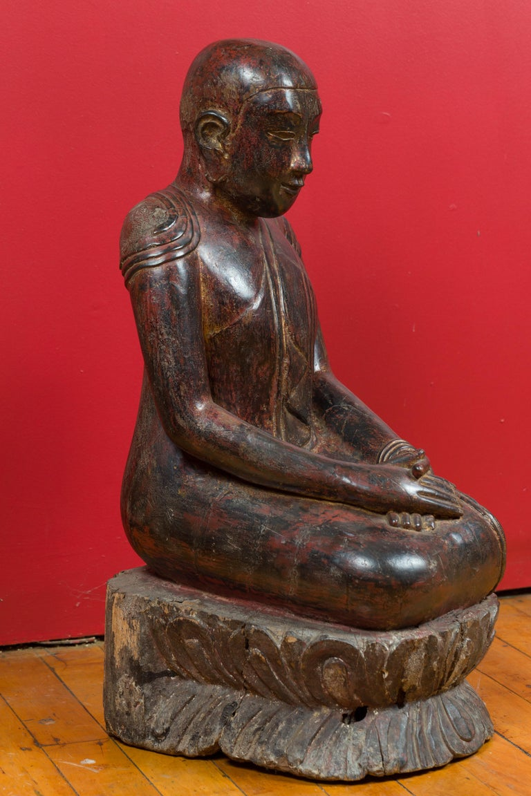 18th Century Thai Hand Carved Lacquered Wood Sculpture of a Seated Monk For Sale 3
