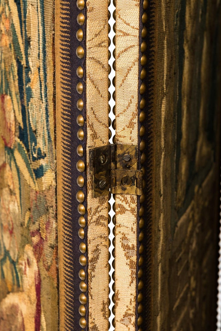 18th Century Three Panel Flemish Tapestry Screen In Good Condition For Sale In Stamford, CT