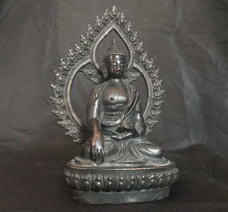 18th Century Tibetan Bronze Shakyamuni Buddha For Sale 3