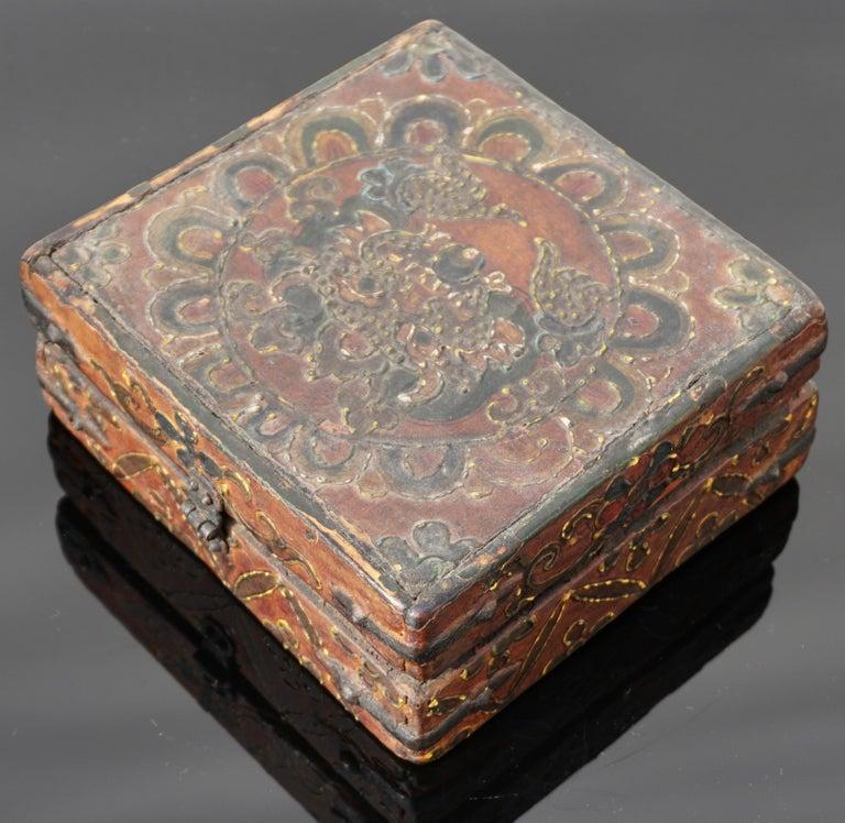 Hand-Painted 18th Century Tibetan Lotus Buddha Polychrome Wood and Iron Box For Sale