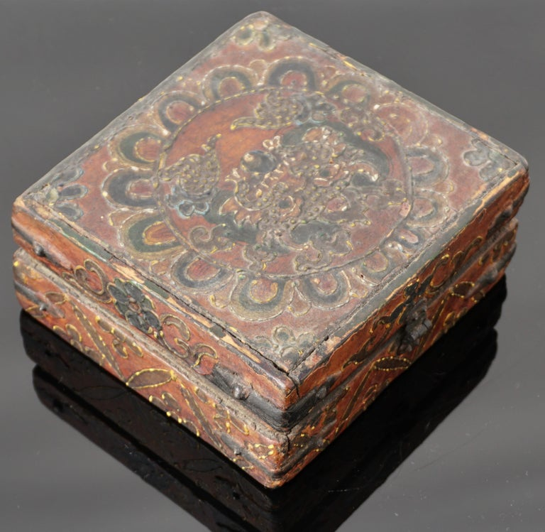 18th Century Tibetan Lotus Buddha Polychrome Wood and Iron Box In Good Condition For Sale In Dallas, TX