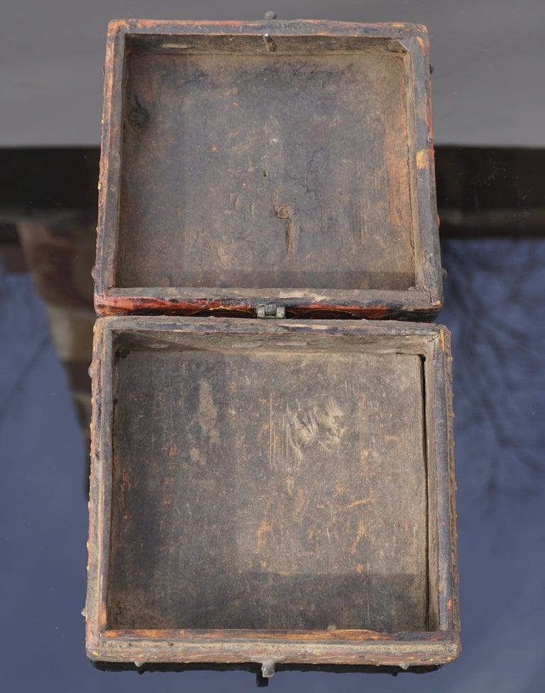 18th Century Tibetan Lotus Buddha Polychrome Wood and Iron Box For Sale 2