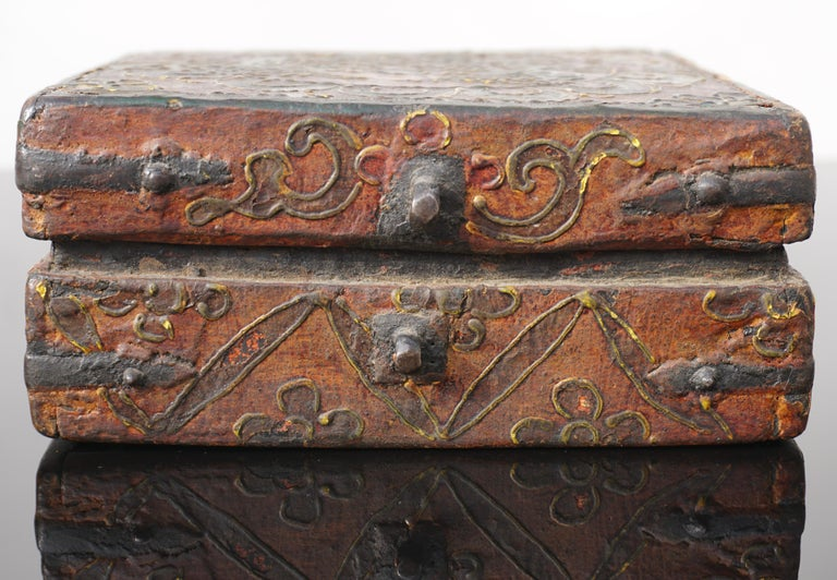 18th Century Tibetan Lotus Buddha Polychrome Wood and Iron Box For Sale 4