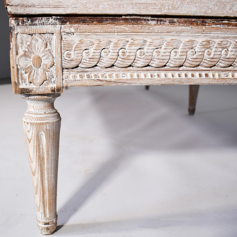 Hand-Carved 18th Century Trag Sofa For Sale