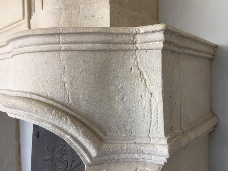 18th Century Trumeau Carved Limestone Fireplace Mantel Reedition In Good Condition In Vulpellac, Girona