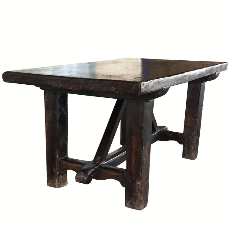 18th Century Tuscan Walnut Kitchen Table, Italian Dark Waxed Farm Table In Good Condition For Sale In West Palm Beach, FL