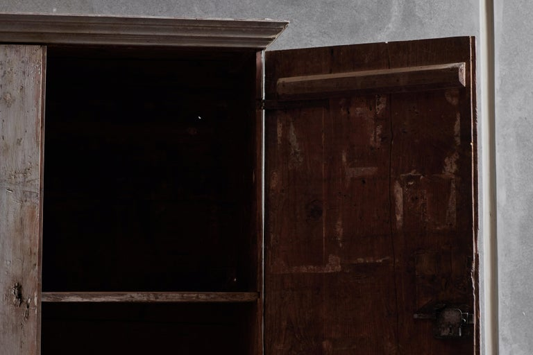 18th Century Tuscan Wardrobe In Good Condition For Sale In Los Angeles, CA