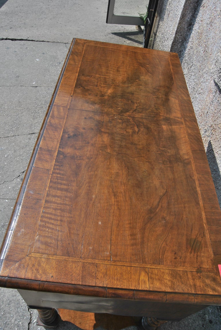 18th Century Twist Leg Walnut English Hall Table For Sale 2
