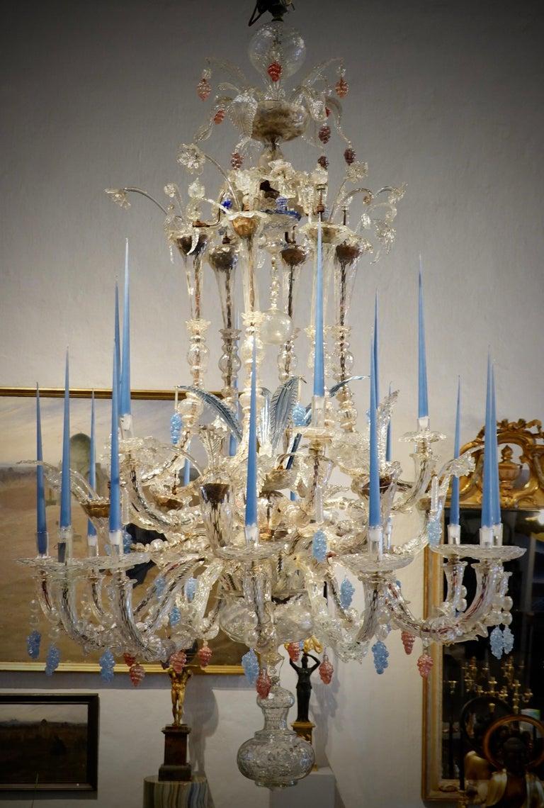 18th Century Venetian Chandelier of Impressive Proportions For Sale 3