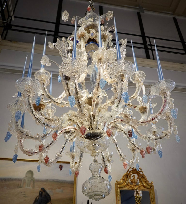 18th Century Venetian Chandelier of Impressive Proportions In Fair Condition For Sale In Stockholm, SE