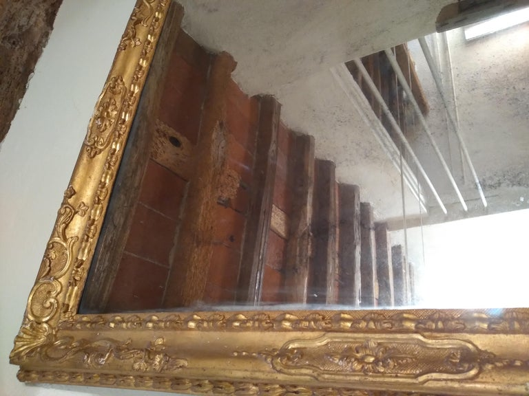18th Century Venetian Hand Carved Gilt Wood Fram with Antique Mercury Mirror For Sale 1