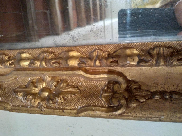 18th Century Venetian Hand Carved Gilt Wood Fram with Antique Mercury Mirror For Sale 2