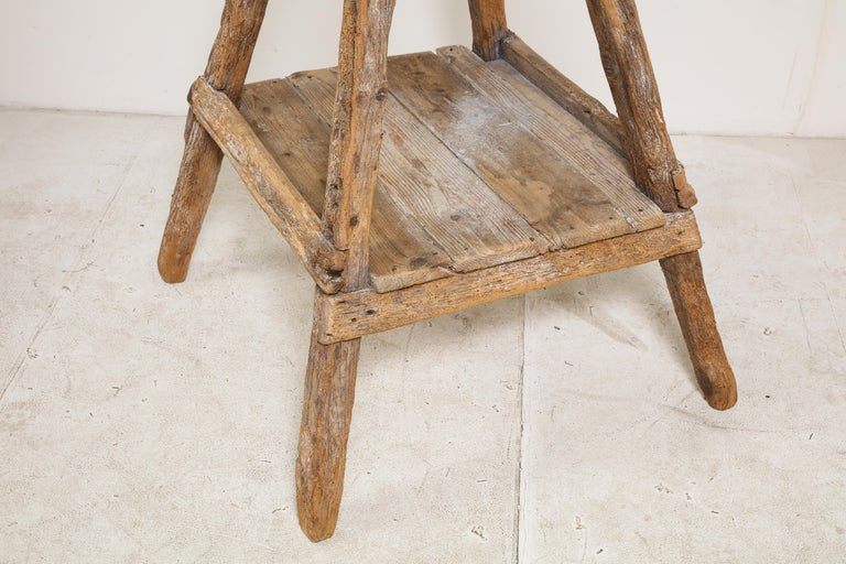 Italian 18th Century Venetian Wood Sculpture Stand For Sale