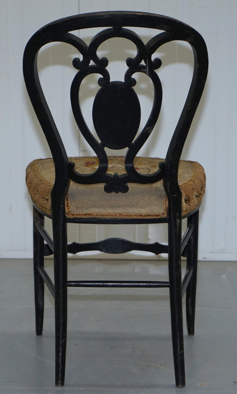 18th Century Very Rare Early Georgian Hand Painted Chinoiserie Ebonized Chair For Sale 7