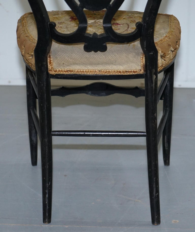 18th Century Very Rare Early Georgian Hand Painted Chinoiserie Ebonized Chair For Sale 9