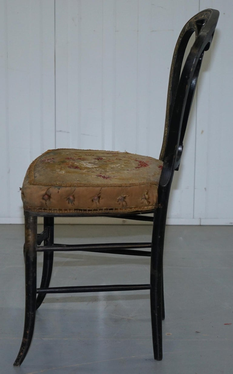 18th Century Very Rare Early Georgian Hand Painted Chinoiserie Ebonized Chair For Sale 10