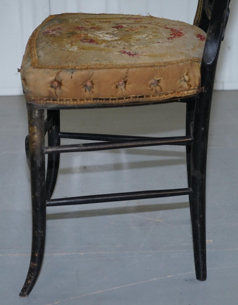 18th Century Very Rare Early Georgian Hand Painted Chinoiserie Ebonized Chair For Sale 11