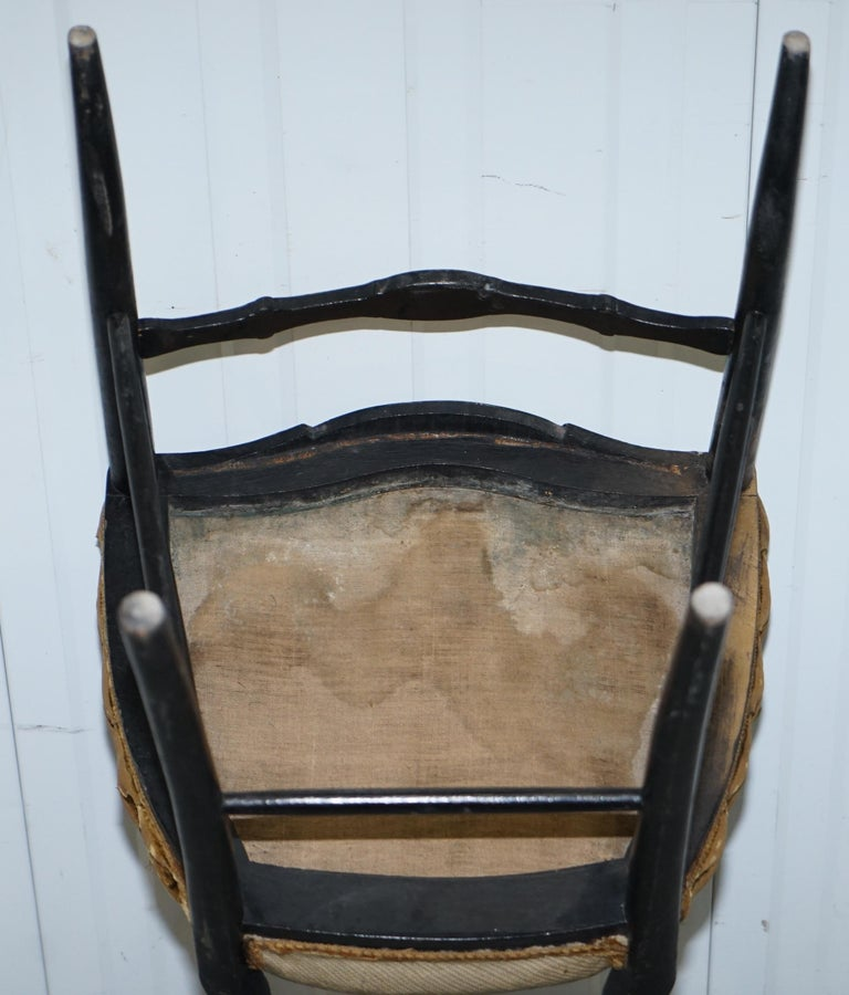 18th Century Very Rare Early Georgian Hand Painted Chinoiserie Ebonized Chair For Sale 12