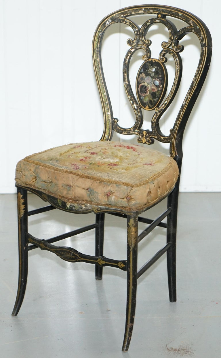 English 18th Century Very Rare Early Georgian Hand Painted Chinoiserie Ebonized Chair For Sale