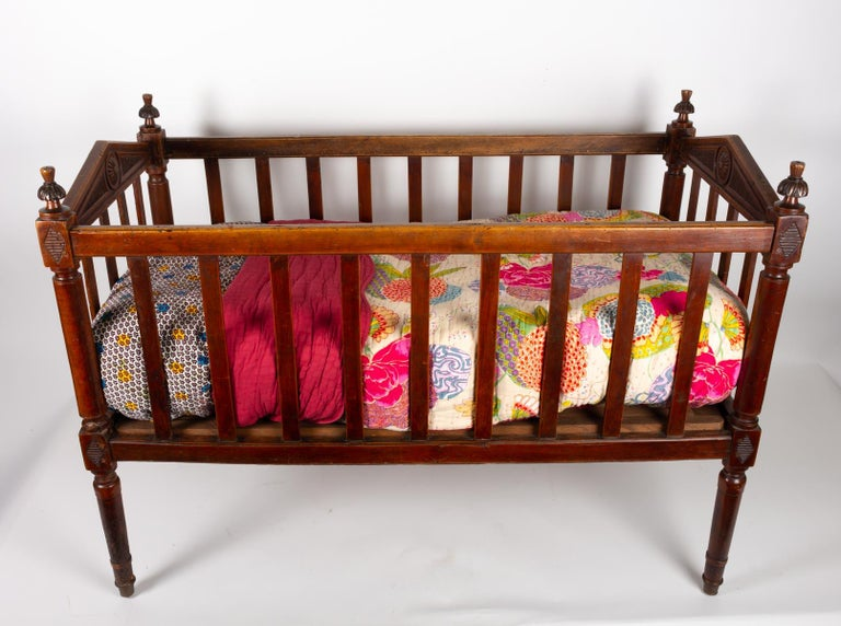 18th Century Walnut Baby Bed For Sale 1