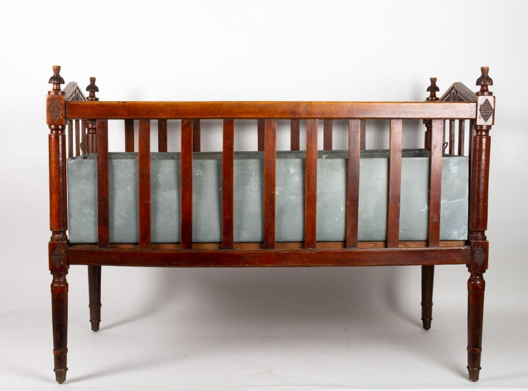 18th Century Walnut Baby Bed For Sale 2
