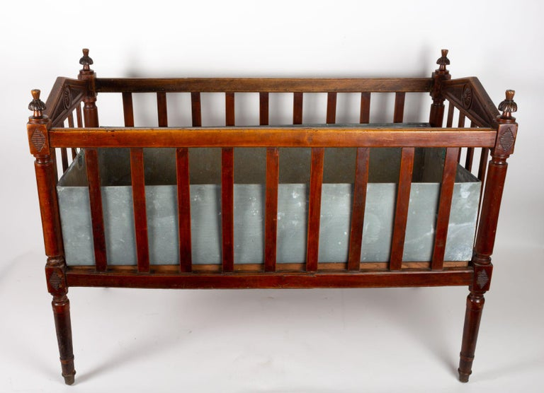 18th Century Walnut Baby Bed For Sale 3
