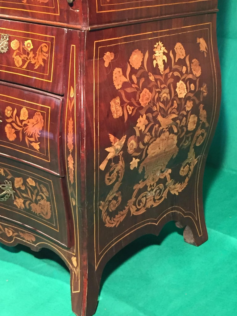 18th Century Walnut Inlaid Dutch Bureau Secrétaire In Good Condition For Sale In Roma, IT