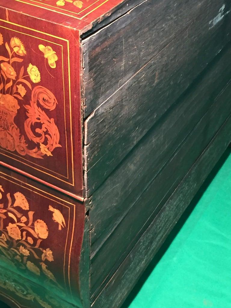 18th Century Walnut Inlaid Dutch Bureau Secrétaire For Sale 4