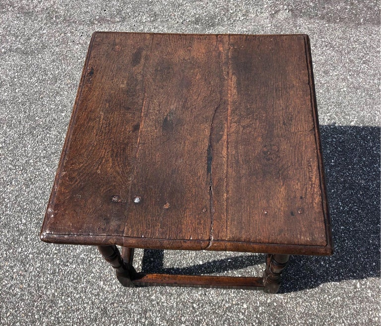 18th Century Welsh Oak Tavern Table In Good Condition For Sale In Charleston, SC