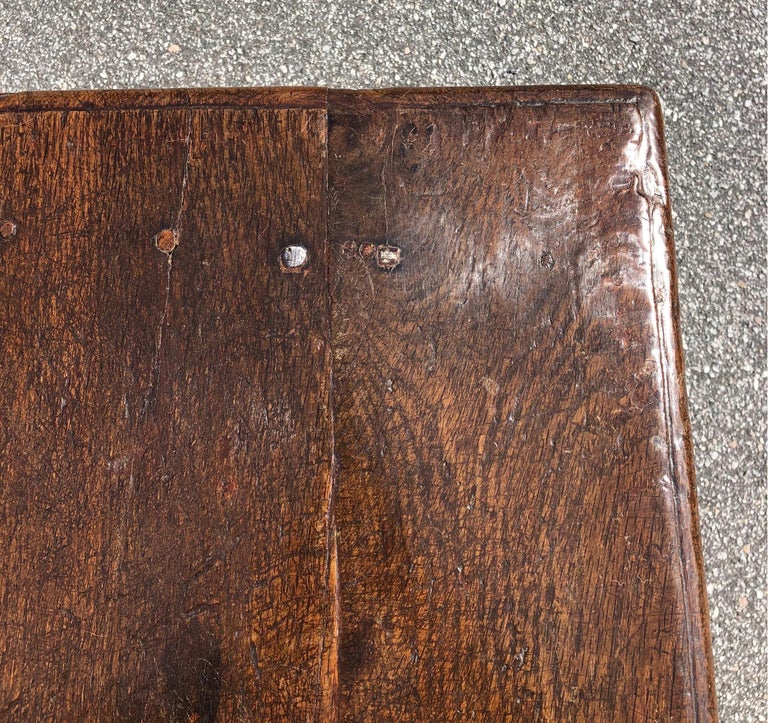 18th Century Welsh Oak Tavern Table For Sale 1