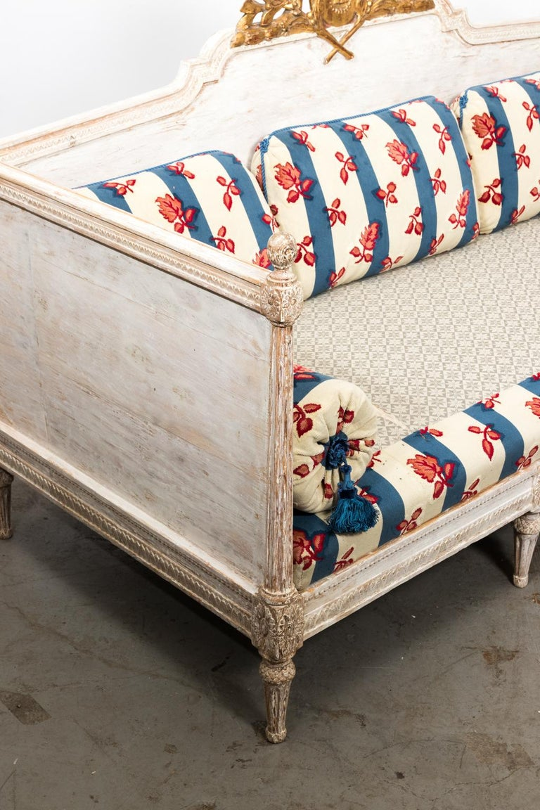 18th Century White Painted Gustavian Swedish Sofa For Sale 11