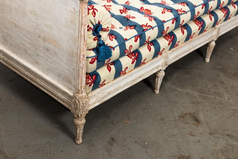 18th Century White Painted Gustavian Swedish Sofa For Sale 2