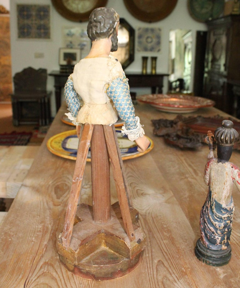 18th Century Wood and Felt Paper Spanish Hand-Carved Polychrome Sculpture For Sale 1