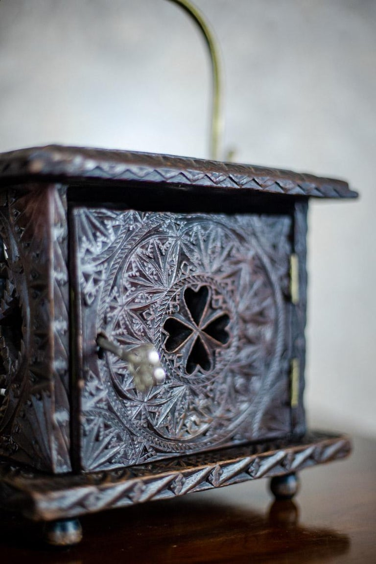 18th Century Wooden Foot Warmer For Sale 5