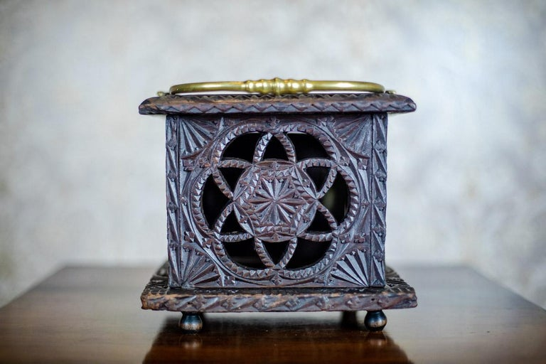 Indonesian 18th Century Wooden Foot Warmer For Sale