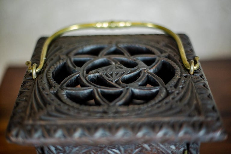 18th Century Wooden Foot Warmer For Sale 1