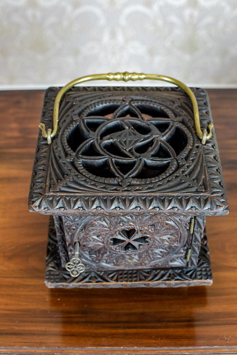18th Century Wooden Foot Warmer For Sale 2